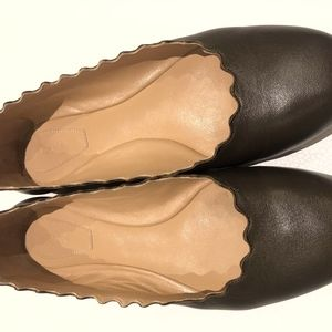 Barely Worn Chloe Scalloped Leather Flats